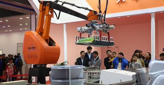 2017年中国机器人产业规模将达62.8亿美元