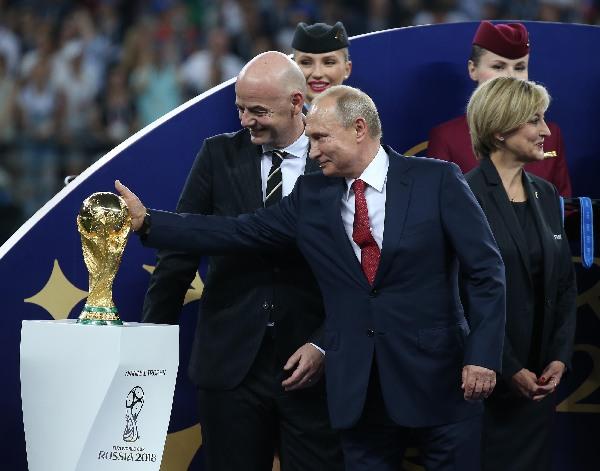 2018年7月15日,在莫斯科举行的2108世界杯颁奖仪式上,俄罗斯总统