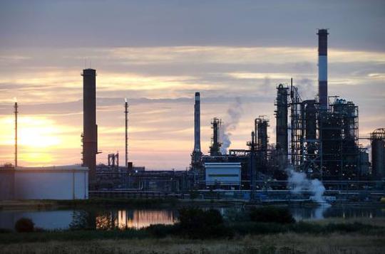 全球能源公司上游业务雪上加霜:炼油利润遭受